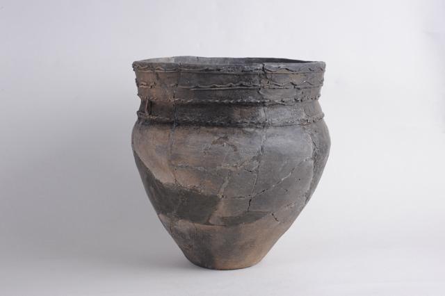 甕形の土器【オホーツク式】