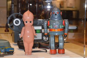鉄人28号とキューピー人形