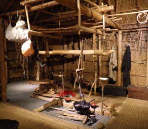 ミュージアムトーク<br>アイヌの伝統的な家の中をのぞいてみよう!